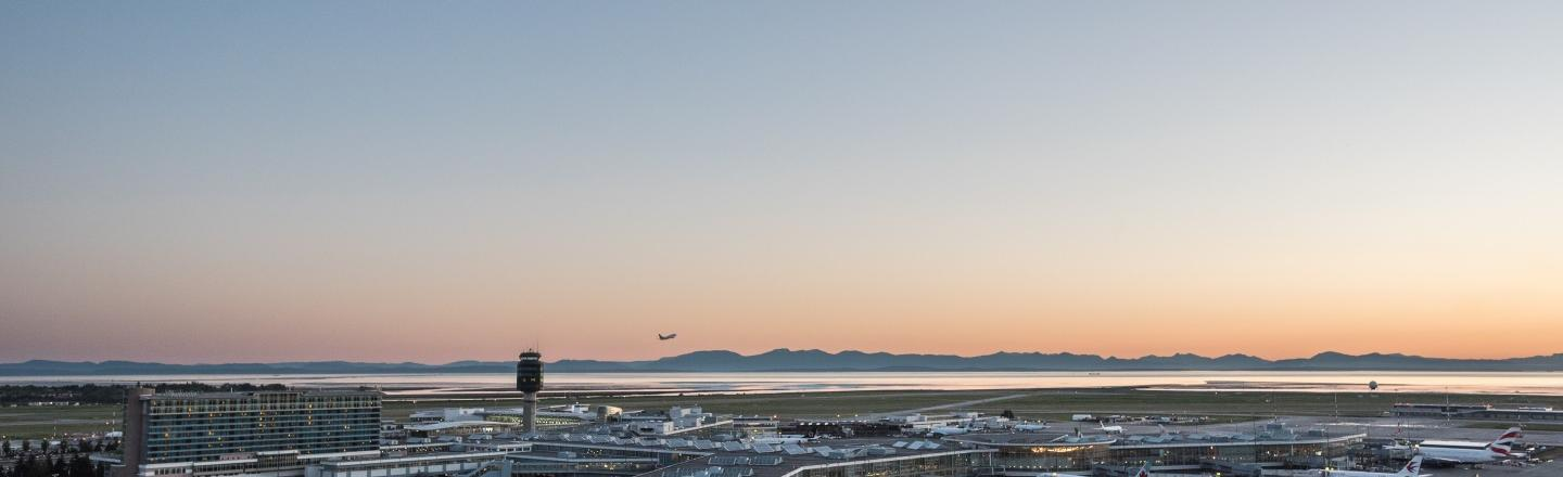 YVR and Destination Canada Sign Historic Agreement to  Promote Tourism and Trade